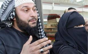 Lies Hebbadj assure ne pas être polygame. Pour lui, il ne s'agit que de maîtresses.