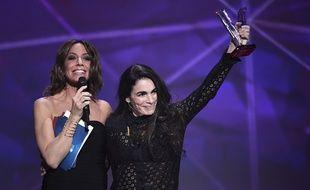 Yael Naim récompensée aux Victoires de la Musique le 12 février 2016.