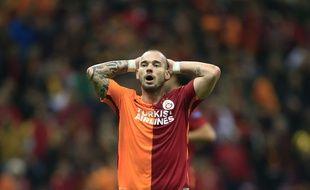 Wesley Sneijder, la star de Galatasaray, ici le 21 octobre 2015 lors d'un match de Ligue des champions contre Benfica, ne devrait pas connaître la saveur des joutes européennes la saison prochaine.