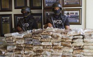 A Punta Cana (République dominicaine), 680 kilos de cocaïne ont été découverts à bord d'un Falcon à destination de la France.