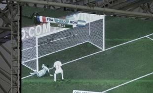 La goal-line technology, utilisée pour la première fois lors de France-Honduras le 15 juin 2014.