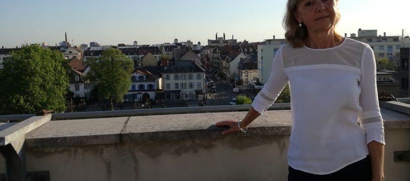 L'écologiste Danielle Dambach, future nouvelle maire de Schiltigheim, troisième ville du Bas-Rhin dans le nord de l'Eurométropole de Strasbourg.