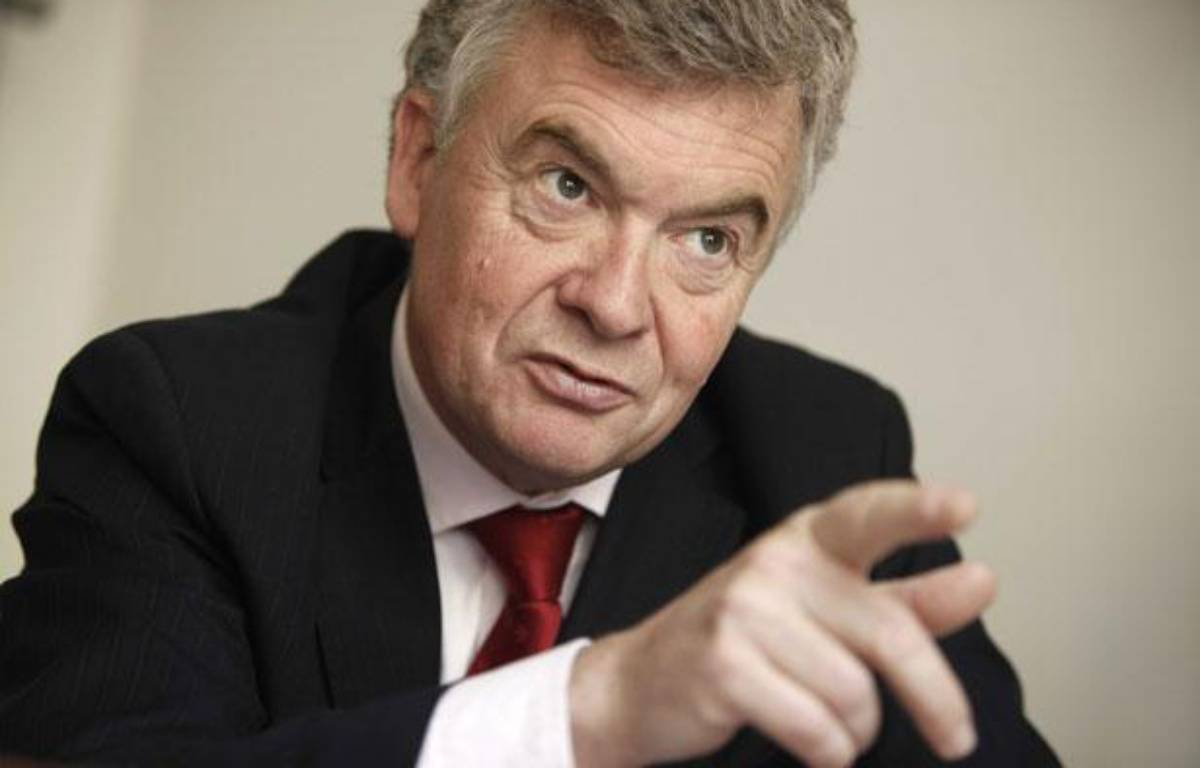 Jean-Paul Garraud, deputé UMP de Gironde, dans son bureau à l'Assemblée nationale, à Paris, le 4 mai 2010. – JOBARD/SIPA/
