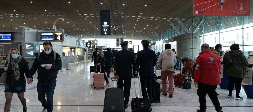 Le gouvernement, lui, veut interdire les vols domestiques seulement si une alternative en train en moins de 2h30 existe.