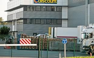 Les camions s'activent à l'entrepôt de Cestas pour acheminer les colis (archives).