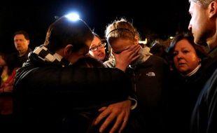 Veillée religieuse dans une église de Newtown, après la tuerie dans laquelle 26 personnes ont trouvé la mort, le 14 décembre 2012.