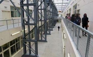 L'école des beaux-arts de Nantes est installée dans les anciennes halles Alstom.