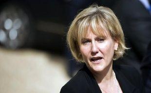 L'ex-ministre UMP Nadine Morano, battue aux législatives, a déposé plainte jeudi contre l'imitateur Gérald Dahan qui l'a piégée dans un canular en se faisant passer pour Louis Aliot (FN), ainsi qu'un recours au Conseil constitutionnel pour demander l'annulation du scrutin.