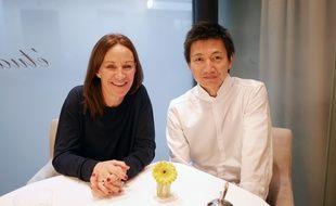 Notre lectrice Laurence avec le chef Keisuke Yamagishi au restaurant Etude