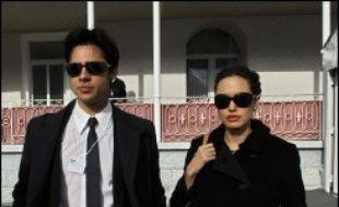Le bébé des acteurs américains Angelina Jolie et Brad Pitt, une petite fille prénommée Shiloh née samedi dernier en Namibie, est venue au monde par césarienne, a annoncé mardi l'obstétricien qui a accouché la star, cité par l'hebdomadaire People.