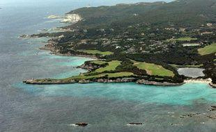 Vue prise le 3 août 2009 du golf de Sperone près de Bonifacio à l'extrême sud de la Corse.