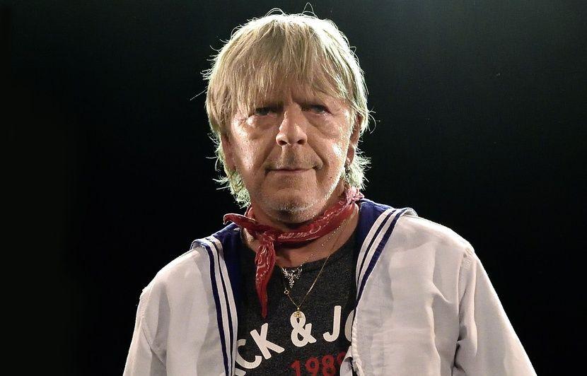 Renaud : « Je n'ai ni AVC, ni cancer du foie », répond le chanteur aux rumeurs de la presse people