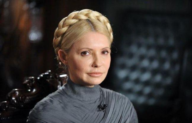 Le service pénitentiaire ukrainien a annoncé dimanche qu'il ne transfèrerait pas l'opposante Ioulia Timochenko au tribunal lundi pour la reprise de son procès en raison de son état de santé, évitant un scandale en plein Euro-2012 de football, co-organisé par l'Ukraine.