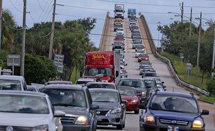 Evacuation d'habitants à l'approche de l'ouragan Matthew à Merritt Island, en Floride, le 5 octobre 2016.