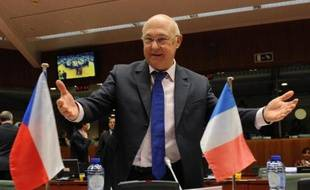 Le ministre français des Finances Michel Sapin, le 6 mai 2014 à Bruxelles