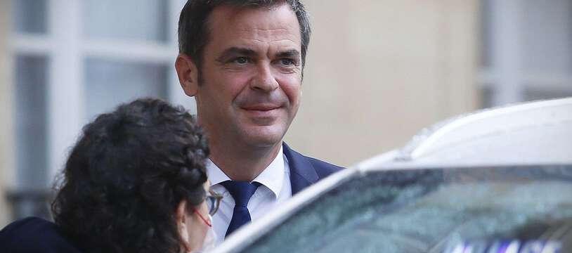 Olivier Véran promet que l'application du pass sanitaire pourra être allégée selon la situation épidémique des territoires français.
