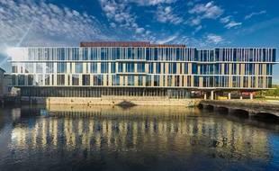 Le nouveau bâtiment du site de Naval Group à Angoulême-Ruelle, dédié au développement et aux innovations, a été baptisé Innov'Factory.