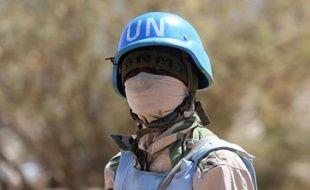 Un soldat de la mission de maintien de la paix de l'Union africaine et des Nations unies au Darfour (Minuad), le 12 janvier 2015 à Nyala