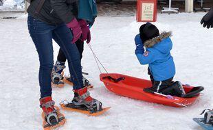 Depuis la fermeture des remontées mécaniques, les stations de ski proche de Lyon font le plein de visiteurs, désireux de s'initier aux pratiques nordiques.