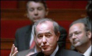 """Jacques Chirac a montré dimanche en présentant ses voeux aux Français qu'il avait """"l'intention de peser dans le débat"""" électoral, entre Ségolène Royal et Nicolas Sarkozy, a déclaré lundi Maurice Leroy, député UDF de Loir et Cher, l'un des bras droits de François Bayrou."""