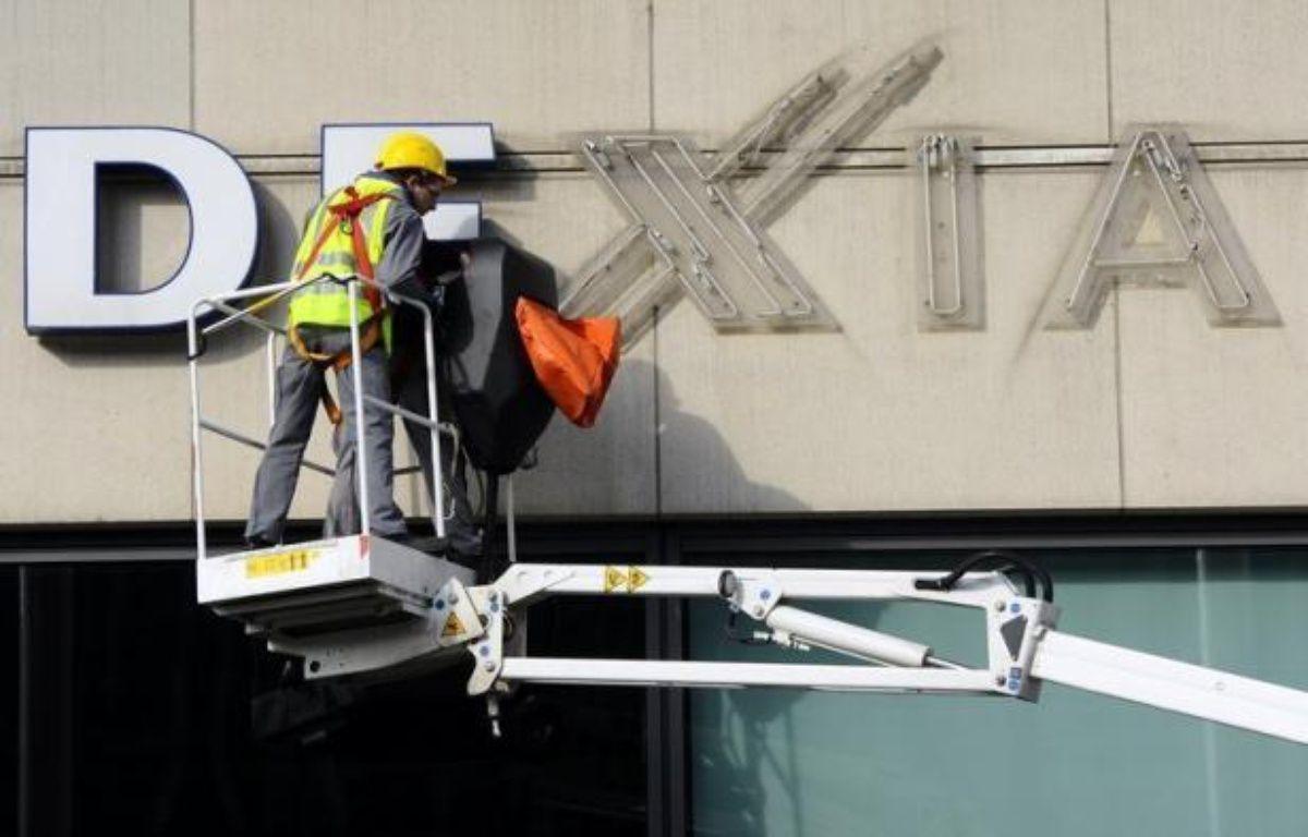 Dexia a fait mercredi un grand pas vers l'achèvement de son démantèlement en retenant trois finalistes pour la cession de sa filiale de gestion d'actifs et en revoyant sa gouvernance, avec le départ du président de son conseil d'administration. – Dirk Waem afp.com