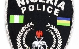 Des membres de la mystérieuse secte Ombatse ont tendu une embuscade à des policiers, mardi dans un village du centre du Nigeria, tuant au moins 30 agents avant d'incendier les corps de leurs victimes, ont indiqué jeudi à l'AFP des sources officielle et policière.