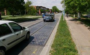 Le Sicoval et la société Colas testent une route solaire à Labège, permettant d'alimenter en électricité un bâtiment.