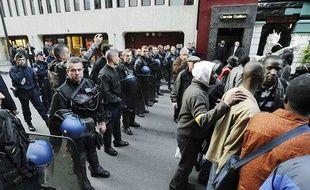 Les sans-papiers qui occupaient le siège social de la Fédération nationale des travaux publics ont été expulsés le 28 octobre.