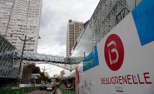 Le centre commercial Beaugrenelle en travaux, le 25 juin 2013 à Paris