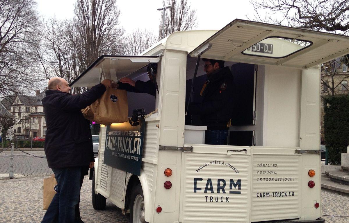 Le Farm Truck livre à Strasbourg des paniers-recette à préparer soi-même. – F. Hernandez / 20 Minutes