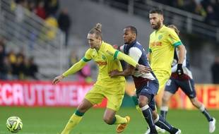 Nantes's player Kian Hansen and Bordeaux's player Thomas Toure in action during the French League One Football Match between Nantes vs Bordeaux at La Beaujoire stadium in Nantes, NANTES-13/12/14.  Credit:Pierre Minier/Ouest Medias/Sipa/OUESTMEDIAS_NANTESBORDO004/Credit:MINIER/SIPA/1412141017