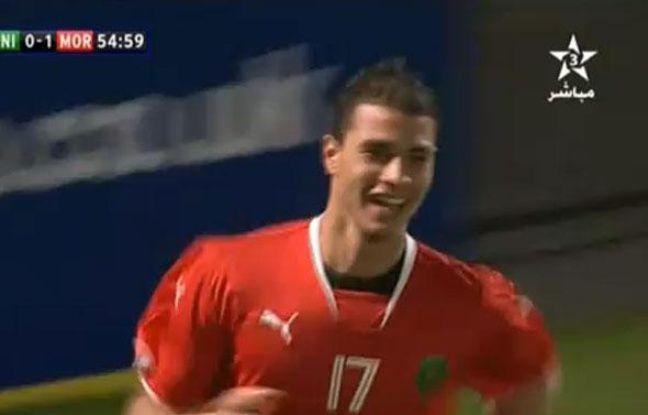 Marouane Chamakh après son but contre l'Irlande du Nord avec le Maroc, le 17 novembre 2010 à Belfast.