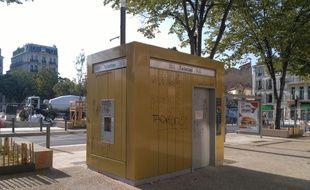 Des toilettes publiques à Marseille