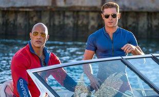 Dwayne Johnson et Zac Efron dans «Baywatch - Alerte à Malibu» de Seth Gordon