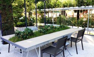 Prototype de salle de réunion nature présentée par Les Jardins de Gally, le 5 juin 2014.