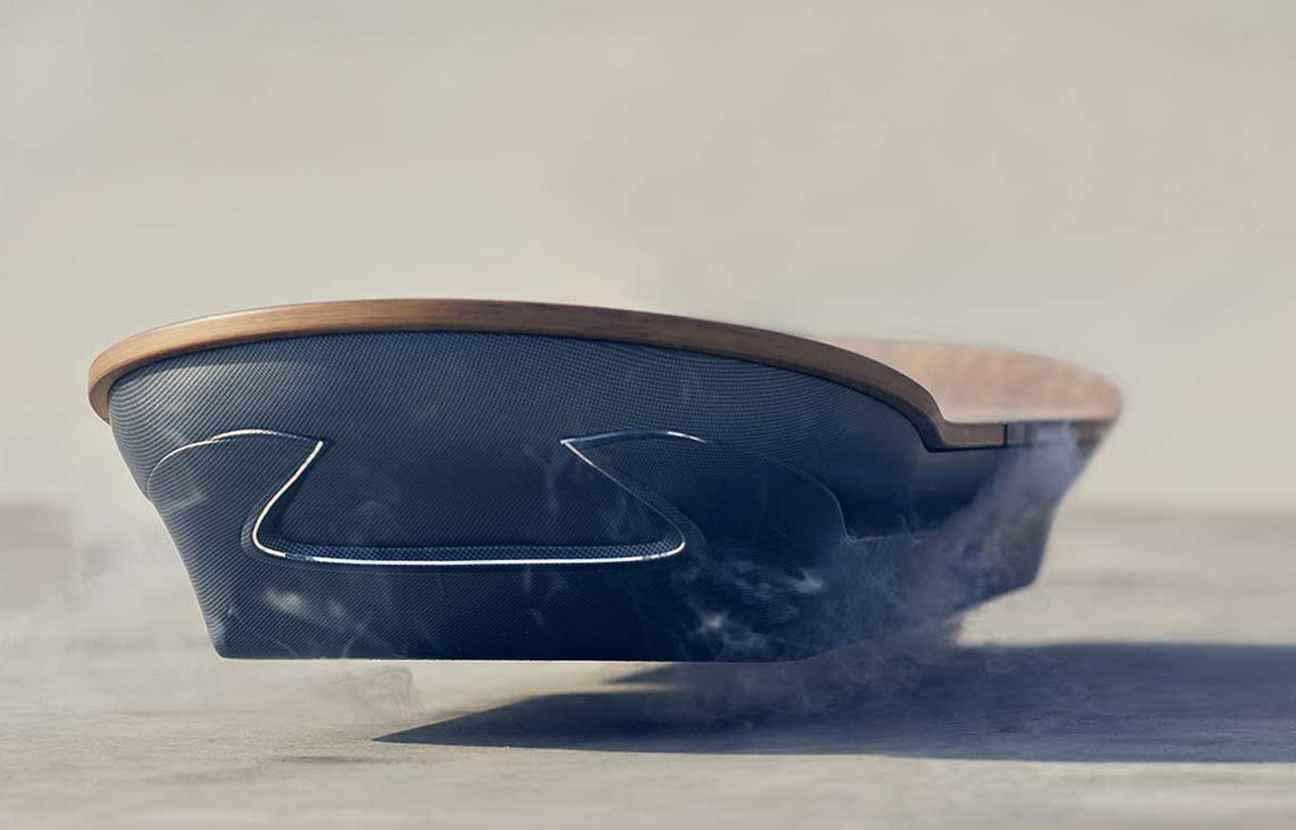 hoverboard de lexus j 7 avant de d couvrir le skate volant. Black Bedroom Furniture Sets. Home Design Ideas