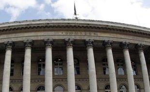 La Bourse de Paris, focalisée sur le marché de la dette, restera la semaine prochaine à l'affût d'indices d'une action de la Banque centrale européenne pour stabiliser les taux d'emprunt de l'Espagne et s'intéressera moins aux entreprises, la saison des résultats marquant une pause.