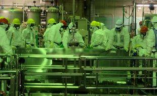Les typhons qui touchent chaque année le Japon contribuent fortement à redistribuer la contamination radioactive dégagée par l'accident de Fukushima en mars 2011, en lessivant les sols puis en évacuant ces sédiments dans l'eau des rivières, démontre une étude française.