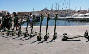Des trottinettes éléctriques sorties du Vieux-Port en l'espace de 30 minutes environ.