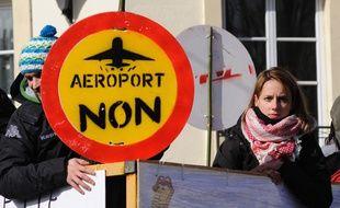 Des opposants au projet d'aéroport de Notre-Dame-des-Landes lors d'une manifestation à Nantes, le 22 février 2014.