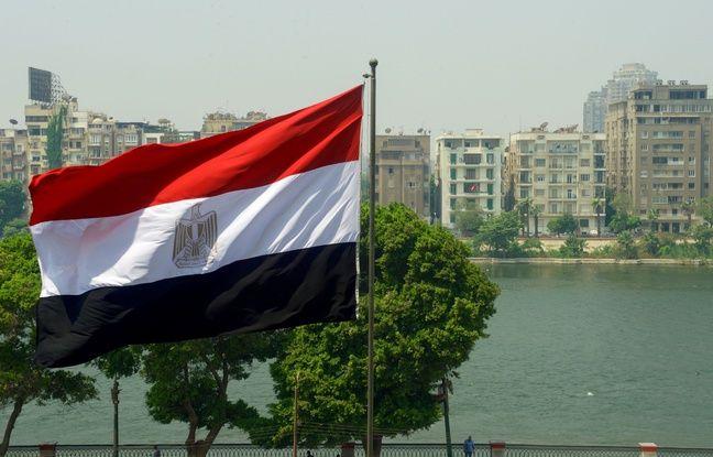 648x415 drapeau egyptien caire