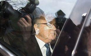 Sepp Blatter à sa sortie de la Fifa le 17 décembre 2015.