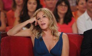 Mathilde Seigner lors du tournage de l'émission Vivement Dimanche le 4 septembre 2013