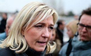 """La présidente du FN Marine Le Pen a déclaré mardi dans l'émission Preuves par 3 (Public Sénat-AFP) qu'elle abrogerait la loi sur le mariage homosexuel si elle accédait un jour au pouvoir, mais que les couples déjà mariés """"le resteront""""."""