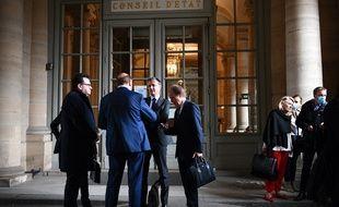 Les dirigeants d'Amiens devant le Conseil d'Etat, après l'audience du 4 juin 2020.