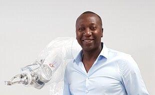 Bertin Nahum, et le robot que son entreprise a créé