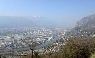 La ville de Grenoble est la première à a voir appliqué le dispositif vignette anti-pollution