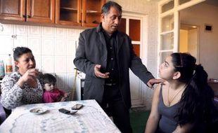 Le rapporteur public du tribunal administratif de Besançon a prôné mardi le rejet des requêtes de la famille de Leonarda Dibrani visant à l'obtention d'un titre de séjour en France, trois mois après l'expulsion contestée de la collégienne rom kosovare.