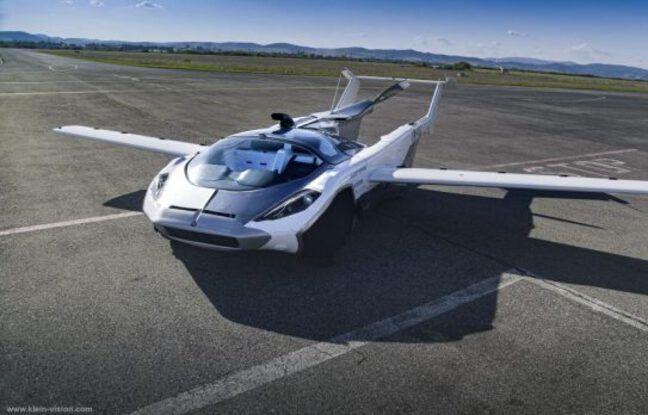 L'AirCar a réussi son premier vol