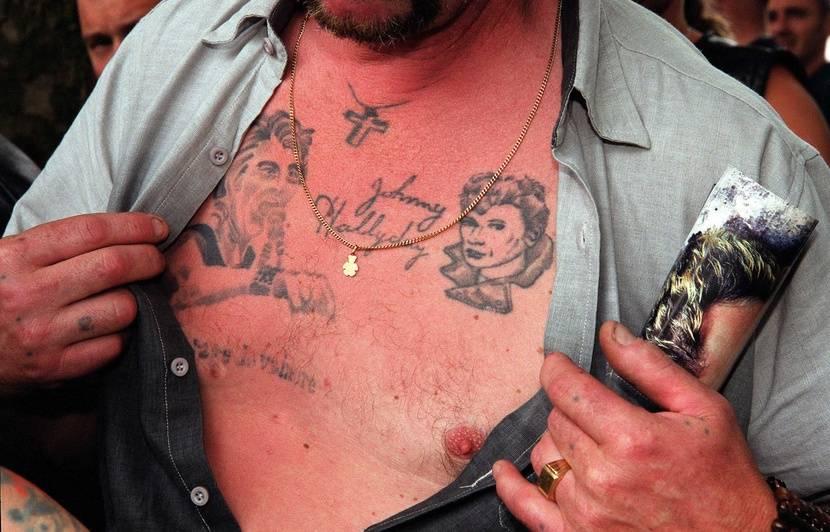 Mort de Johnny Hallyday «Il a des têtes de Johnny sur tout le corps»  Quand les fans se font tatouer la star